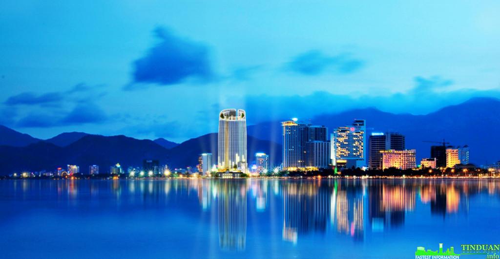 The Harbor View Condotel Nha Trang lung linh đêm