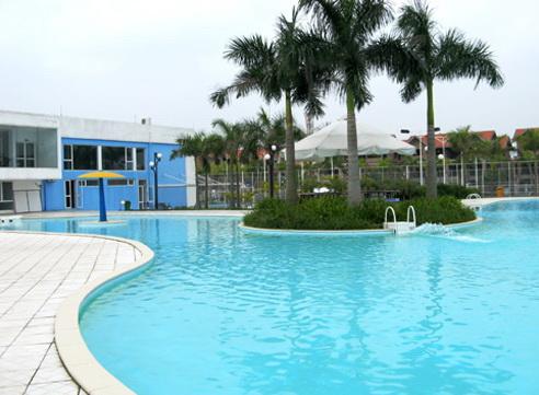 Bể bơi ngoài trời Khu biệt thự Quang Minh